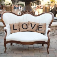 Sofa Santai Model LOVE