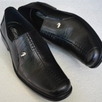 ... harga Sepatu Pantofel Kerja Kantor Pria Formal Crocodile Kulit Sapi Asli  A8 Tokopedia.com eef4347c2c