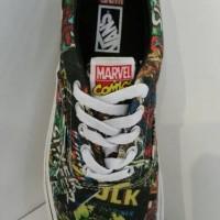 sepatu skate Vans Era Marvel Avengers