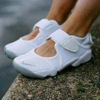 harga Nike Air Rift Premium Original ( sepatu santai sepatu jalan sneakers ) Tokopedia.com