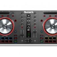 Numark Mixtrack III - All in One USB DJ Controller