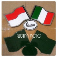 Emblem Sticker Metal Vespa Italia Indonesia