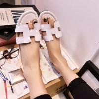 Sandal Hermes Putih TR11