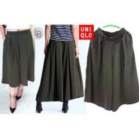 harga Uniqlo Green Cullotes - celana culot original branded 9329 Tokopedia.com