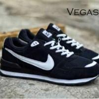 Sepatu Casual Kets Nike Azr Vegasus Pria Wanita Hitam Putih Abuy Merah