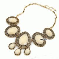 Kalung Statement Etnik Vintage Ivory Fashion Import Pesta Dior Korea