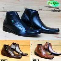 harga kickers pantofel sepatu formal kulit pria boot tinggi sleting pria Tokopedia.com