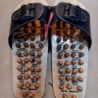 Jual Sandal Kesehatan Pijat Refleksi Kaki Rematik Kayu Mujarab Murah