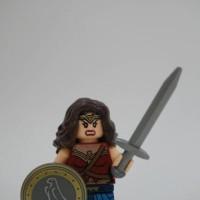 Lego Wonderwoman minifigure bootleg