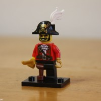 Lego Original Minifigure Captain Pirate Bajak Laut Series 8