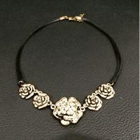 Kalung Bunga Flower Tali Vintage Dior Swarovski Korea