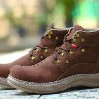 Sepatu boots kulit bukk asli Kickers / Pria kerja / hangout keren