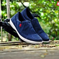 Sepatu pantofel Kickers slip on kulit suede/ sepatu casual formal