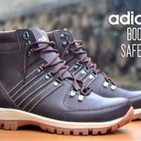 Harga Sepatu Boot Karet Safety Termurah Maret 2019 – Lapak Dodolan ef77e0babf