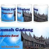 Mug Rumah Adat Gadang, Sumatera Barat.