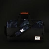 harga HERSCHEL SUPPLY CO. Black/Acid Denim Lonsdale Duffle Bag Tokopedia.com