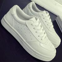 Jual Sepatu Wanita Kets Putih Casual SDS135 Murah