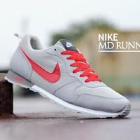 sepatu casual kets sneakers running main jalan kuliah nike md runner