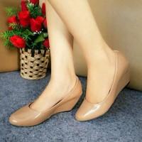Sepatu Kulit Wanita Sepatu Wedges Wanita Sepatu Kerja Pesta Glossy