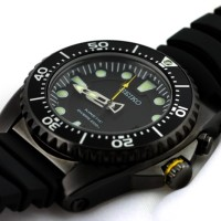 Seiko Kinetic SKA427P2 Black Rubber Divers 200M | Jam Pria SKA427