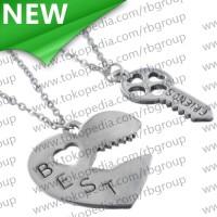 Kalung Pasangan Bentuk Hati dan Kunci/Couple Necklace - Silver