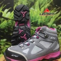 Sepatu Gunung / Sepatu Rei Women Series Smithsonia
