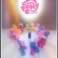 harga Figurine / Miniature My Little Pony set isi 12 (creamy colour) Tokopedia.com
