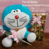 Parsel boneka doraemon (besar) + coklat + bunga / kado valentine