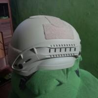 Helm Army Gegana Gurun