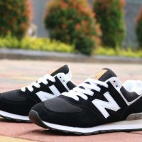 Sepatu Wanita New Balance 574 Black White Olahraga Fitness Jogging