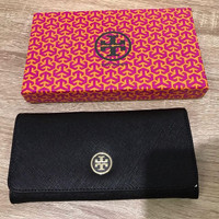 Tory Burch Robinson Envelope Continental Wallet