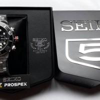 Jam Tangan Seiko Solar SSC015P1, 200M