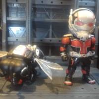 Mainan Action Figure Ant Man Bee Set