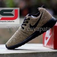 EXCLUSIVE Sepatu Nike Roshe Run navy Terbaru - FREE ONGKIR JABODETABEK 2097fc3fff
