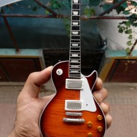 Miniatur Gitar Gibson Les Paul Slash Signature