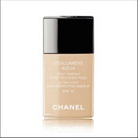 Chanel Vitalumiere Aqua foundation BR12