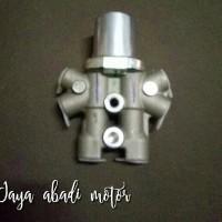 Valve assy proportioning (pembagi minyak rem) suzuki swift st & r3