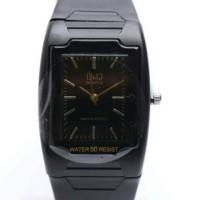 Jam tangan q and q hitam kotak