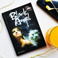 Buku: Black Angel (Indah Hanaco, Stiletto Book)