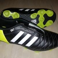 sepatu bola adidas 11 pro hitam