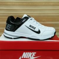 sepatu tenis badminton jogging senam nike size 40-44 putih