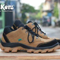 sepatu kickers gorotex safety boots tracking outdoor cream kulit suade