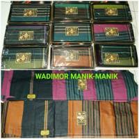 sarung wadimor motif manik2