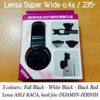 Lensa Super Wide 0,4X menghasilkan foto lebih lebar dari lensa biasa