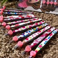Special Pinset motif bunga