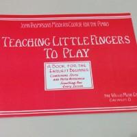 Buku Piano Teaching Little Fingers to Play
