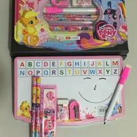 Alat tulis set / tempat pensil kaleng / souvenir / peralatan sekolah
