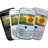 BB 8520 GSM (PLATINUM) 2THN Ready Hitam & Putih