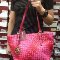 Harga tas wanita merek hush | WIKIPRICE INDONESIA