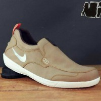 Sepatu Casual Nike Slop Boston Upper PVC - Santai simpel modis PRIA